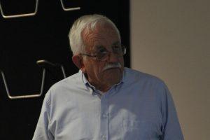 Dr Max Lay